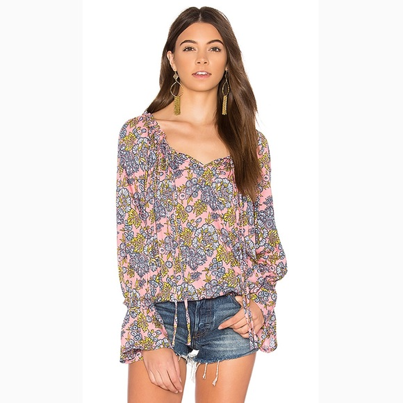 1a2297eee0394 Tiare Hawaii Pink Floral Bell Sleeve Blouse OS